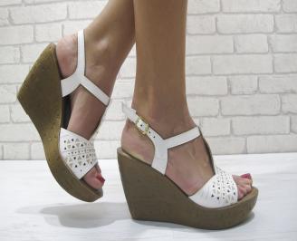 Дамски сандали на платформа бели еко кожа EEUB-23901