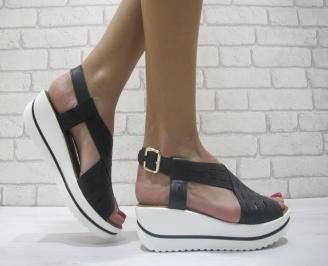 Дамски сандали на платформа еко кожа черни YKFO-23904
