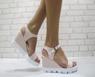 Дамски сандали на платформа еко кожа розови FRHG-24161