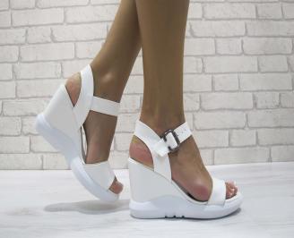 Дамски сандали на платформа еко кожа бели YWPH-24198