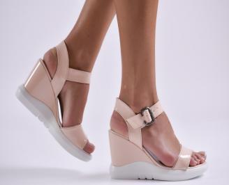 Дамски сандали на платформа еко кожа/лак розови EOIH-24218