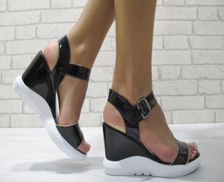 Дамски сандали на платформа еко кожа/лак черни XWGI-24237
