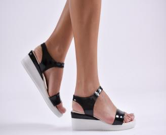 Дамски сандали на платформа еко кожа/лак черни HAUJ-24242