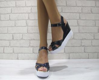 Дамски сандали на платформа еко кожа/лак тъмно сини JDNV-24269