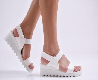 Дамски сандали на платформа еко кожа бели UOZK-24367