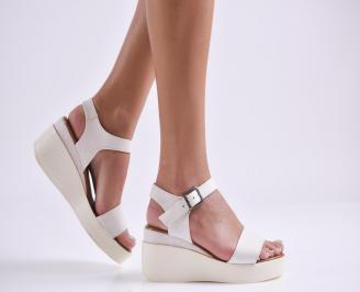 Дамски сандали на платформа еко кожа бели TZXP-24383