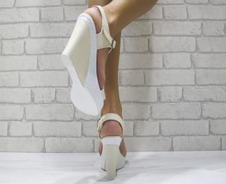Дамски сандали на платформа еко кожа бежови VNPC-24423