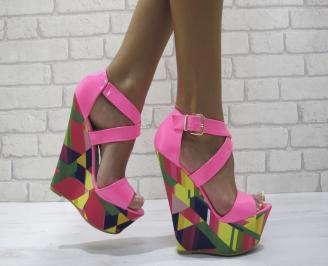 Дамски сандали на платформа еко кожа/лак,текстил розови INRJ-24459