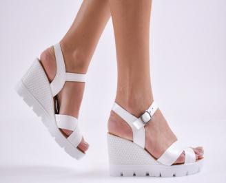 Дамски сандали на платформа естествена кожа бели CMTF-27410