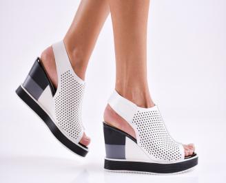 Дамски  сандали на платформа  еко кожа бели VYWA-27480