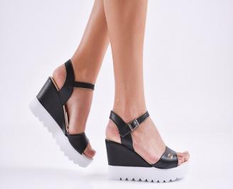 Дамски  сандали на платформа  еко кожа черни OENL-27596