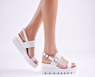 Дамски сандали на платформа естествена кожа бели BTRO-27630