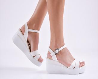 Дамски  сандали на платформа  еко кожа бели VGSN-27692