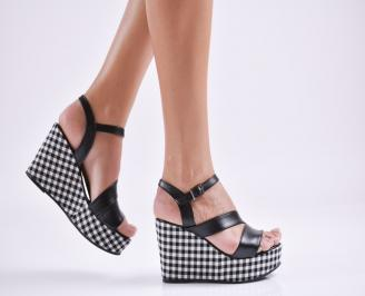 Дамски  сандали на платформа  еко кожа черни AOAJ-27702