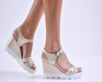 Дамски  сандали на платформа  еко кожа златисти QLET-27734