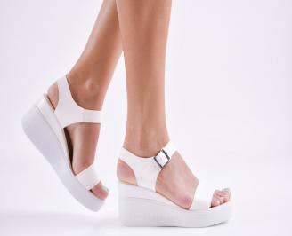 Дамски  сандали на платформа  еко кожа бели EDHL-27779