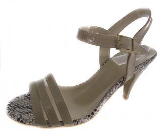 Дамски сандали на ток еко кожа/лак бежови SLXB-19612