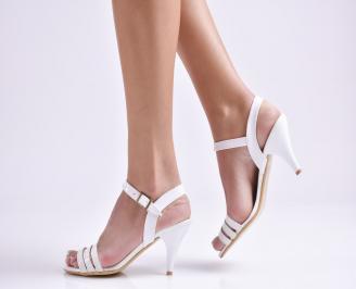 Дамски сандали на ток еко кожа/лак бели PGVL-19626