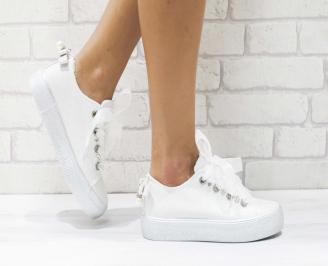 Дамски спортни обувки текстил бели WVQR-26424