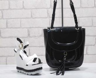 Комплект дамски сандали и чанта еко кожа/лак  черно/бяло HPSC-24824