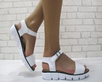 Равни дамски сандали естествена кожа бели NVZL-24238